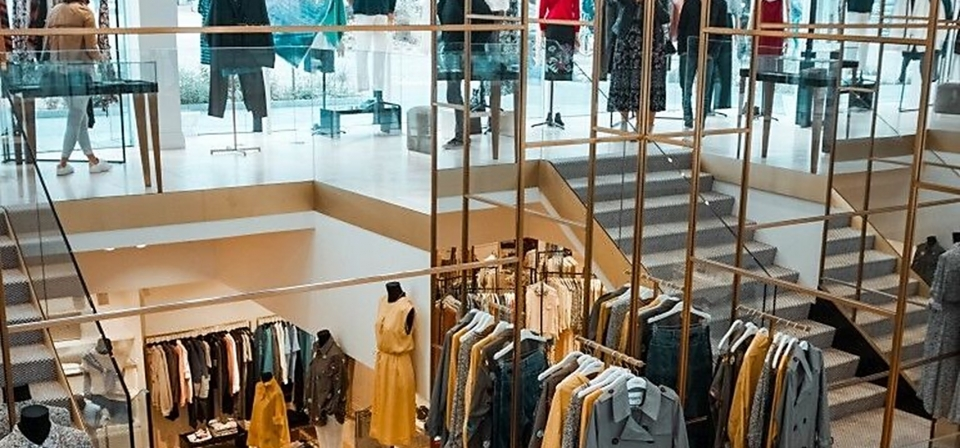 Shoppen met Leila van I Really need my space bij Essentiel in Knokke-Heist