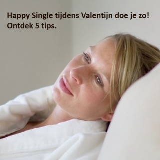 Happy single aan zee